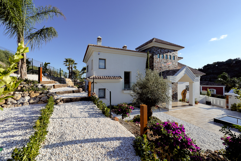 Property Video of a stylish Villa in Marbella
